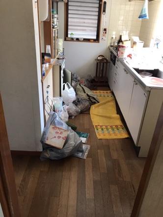 長岡市のお客様 さんの不用品回収前の部屋の画像
