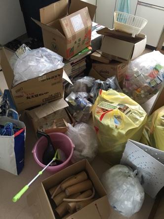 新潟県長岡市K様様の不用品回収を行う前の部屋画像