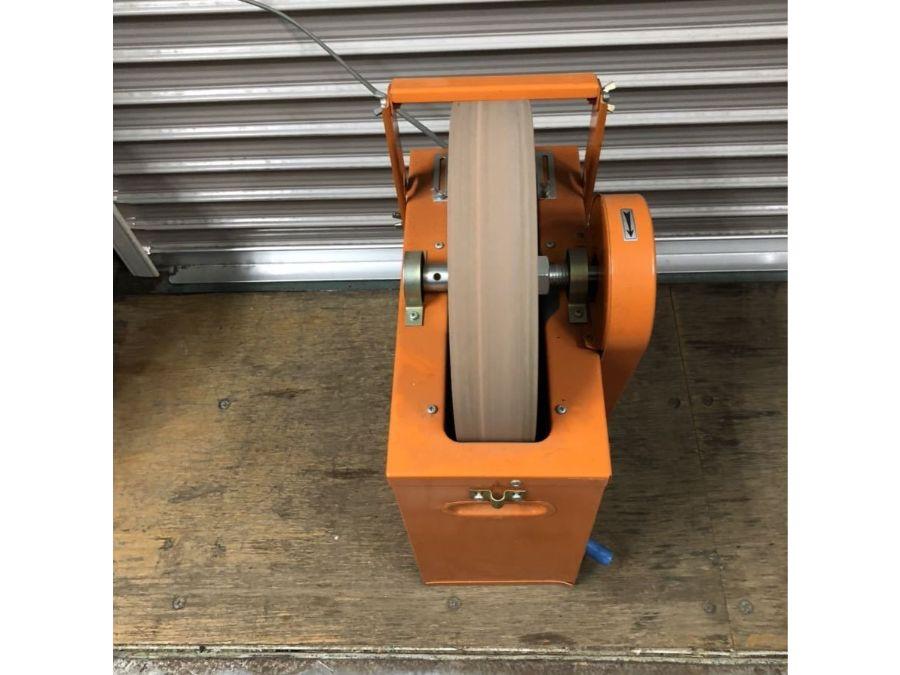 寿産業 J-77 縦型 水研 刃物研磨機を買い取りいたしましたで紹介されている買い取り商品の画像